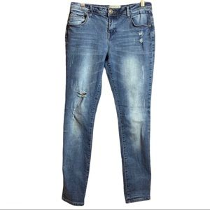 🔥Ardene Distressed Medium Wash Pants Size 13